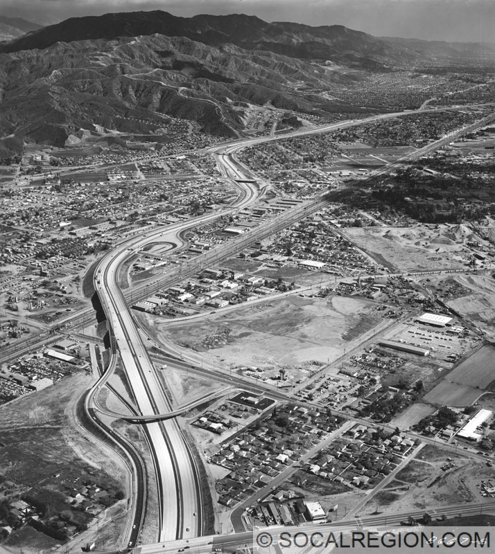 Southerly view of the 5 from Lankershim Blvd in 1962, shortly before the freeway was extended north.