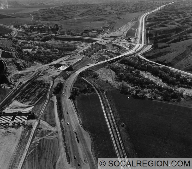 Interstate 5 under construction at Magic Mountain Parkway in 1964.