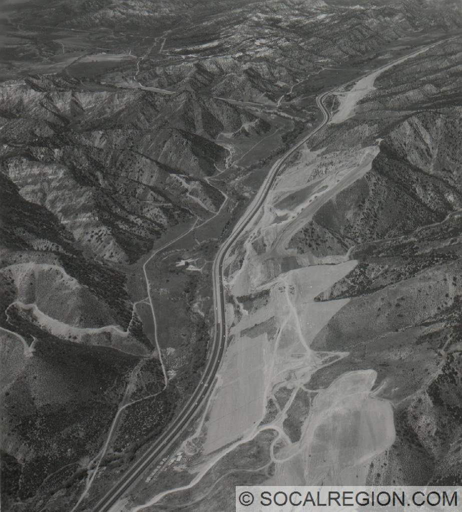 Construction of I-5 near between Pyramid Lake and the Smokey Bear Road exit in 1967.