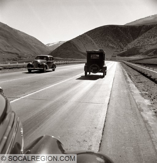 1930's view looking southbound along Grapevine Grade below the Grapevine Cafe.