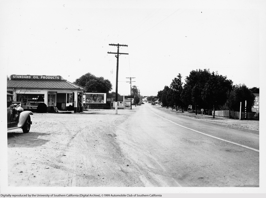 Newhall in 1931, looking northerly. Note the US 99 shield to the right.
