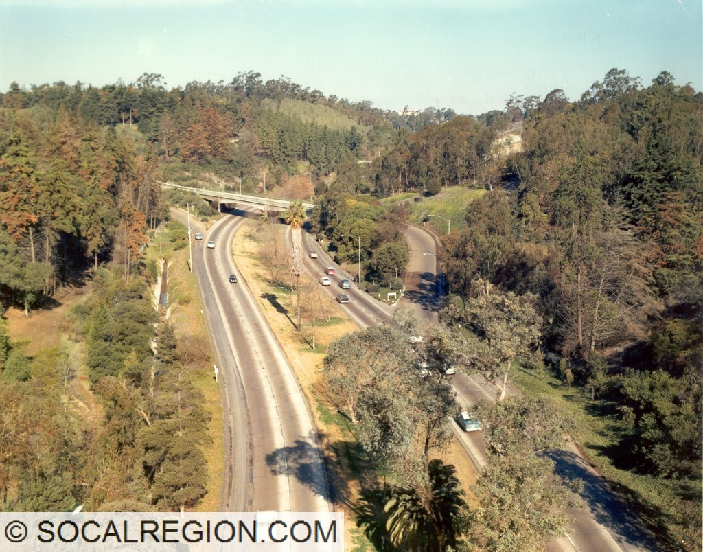1960 view of the Cabrillo Freeway looking north from the Laurel Street Bridge.