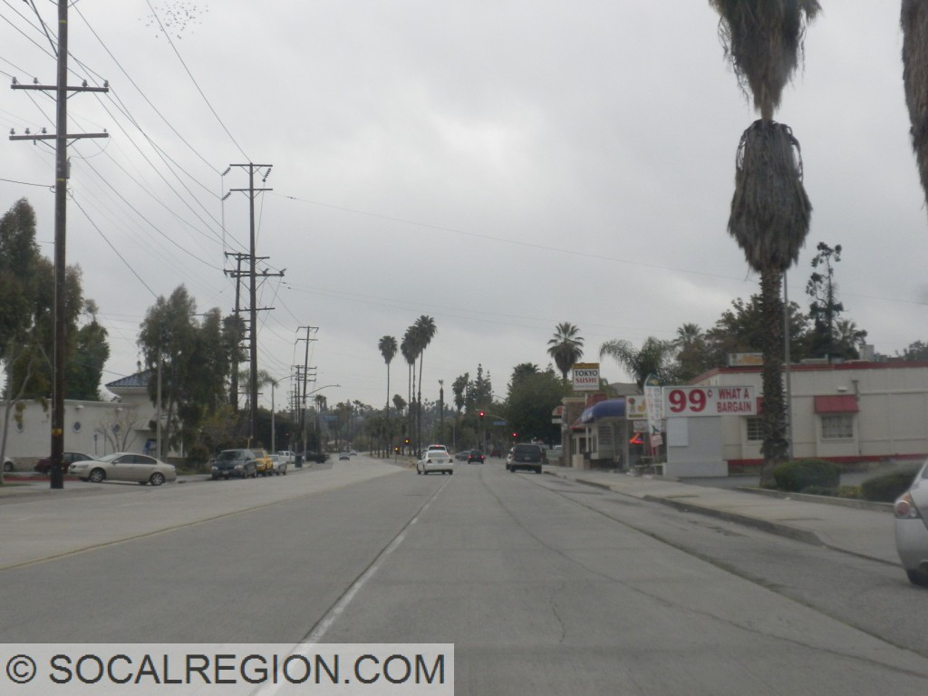 "Redlands Blvd, ""in town"""