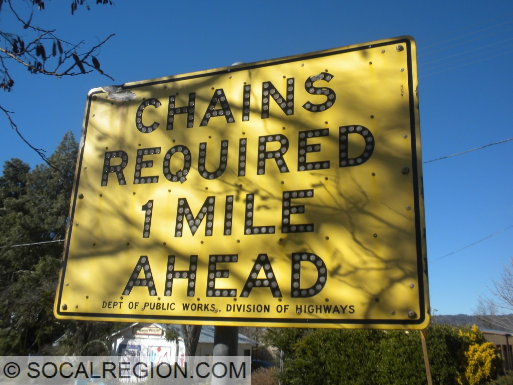 1959 Chain Requirement sign at Santa Ysabel
