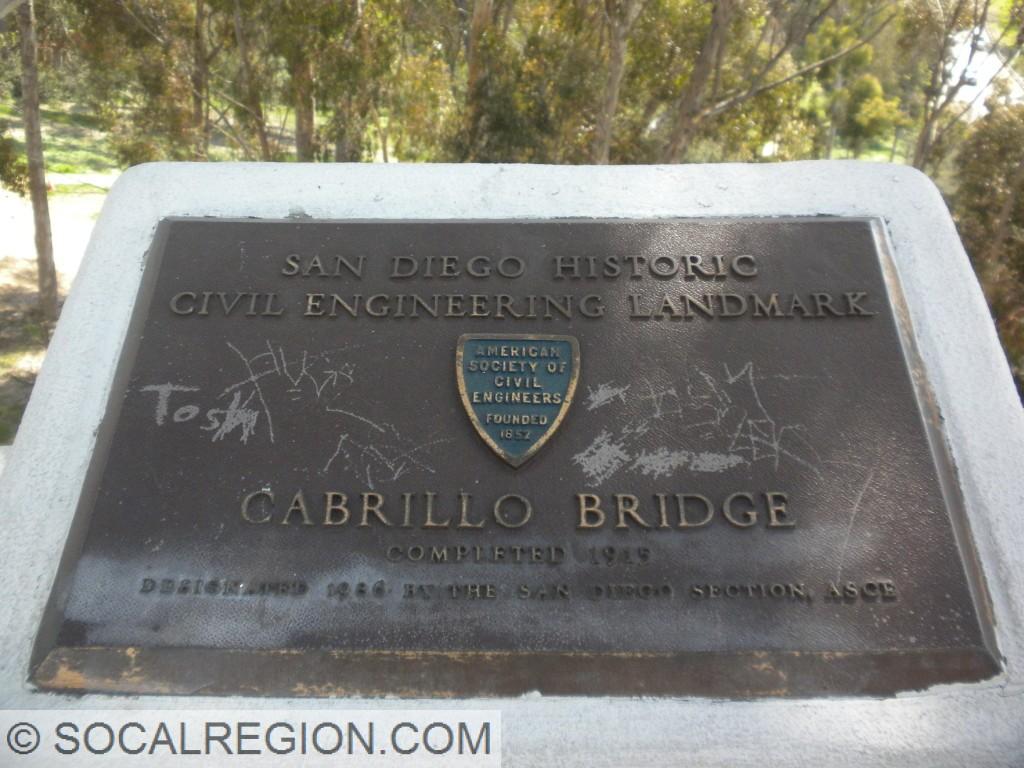 Plaque designating the bridge as an engineering landmark.