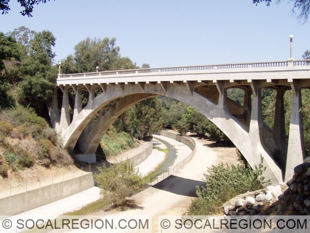 Side view of the San Rafael Ave bridge