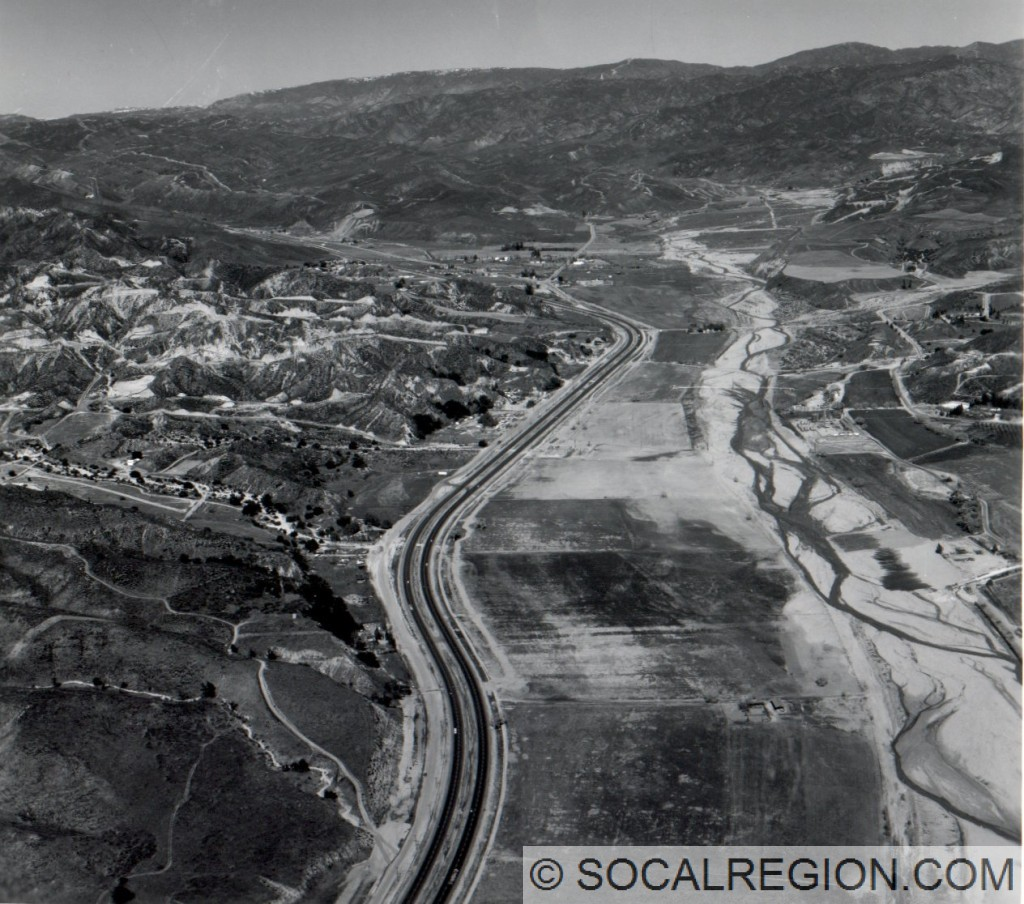 1966 view of Castaic Valley from Hasley Canyon looking north. Courtesy - Caltrans.
