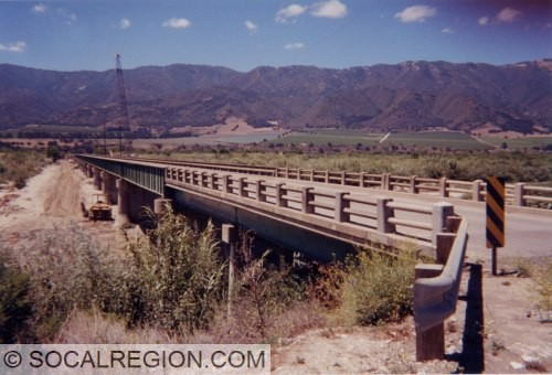 1930's bridge over the Salinas River on Gonzales River Road. Beautiful through-girder design. Great scenery too.