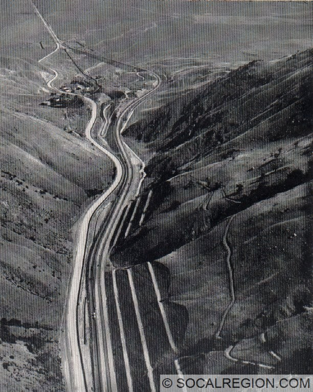 1960 photo showing the southbound lanes of I-5 under construction in Grapevine Canyon.