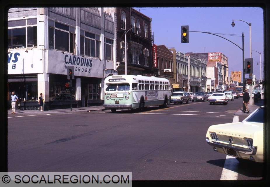 Late 1960's view of Fair Oaks Ave and Colorado Blvd with a green State 118 shield.