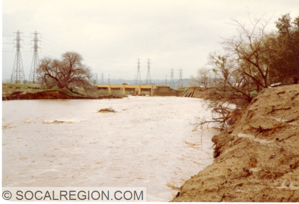 South Fork Santa Clara River during the 1983 floods. Note the washout at the east abutment.